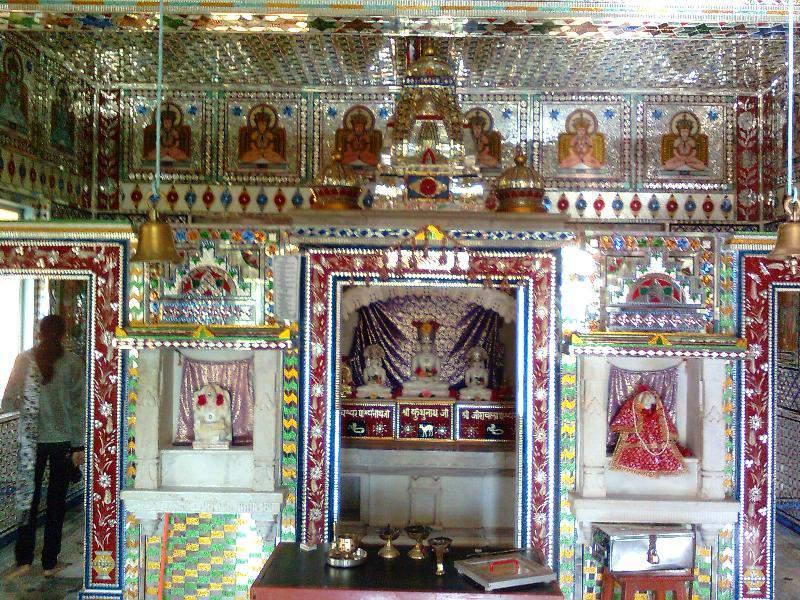 jain glass temple near recdanda