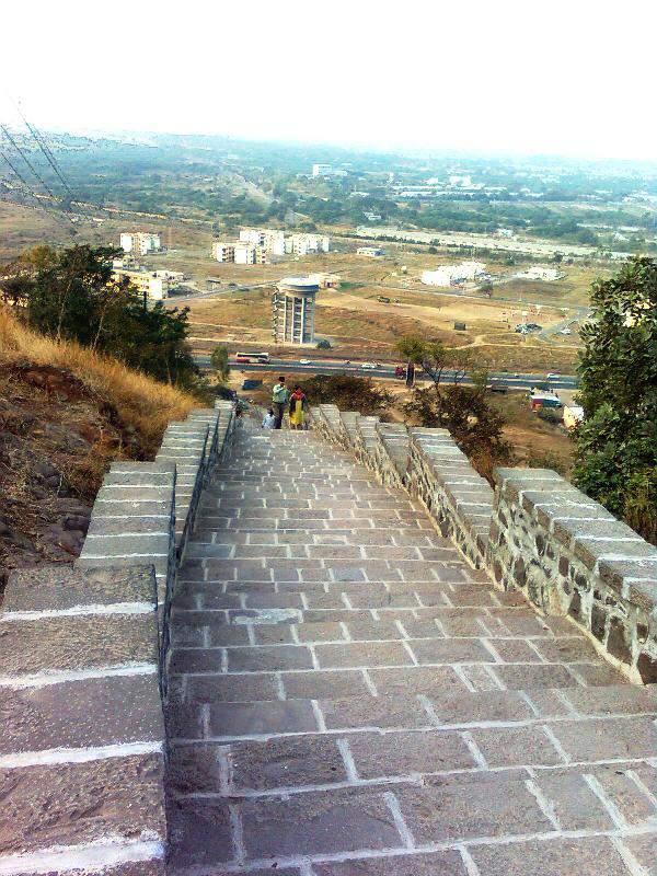 Ghoradeshwar climbing
