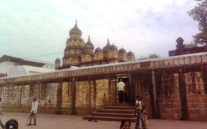 Wai Kashivishveshwar temple