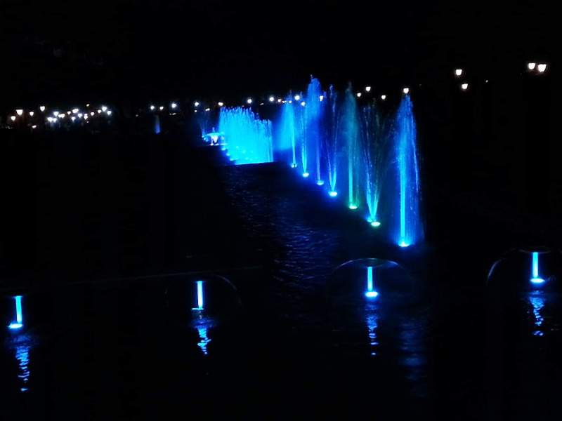 pu la deshpande garden fountains