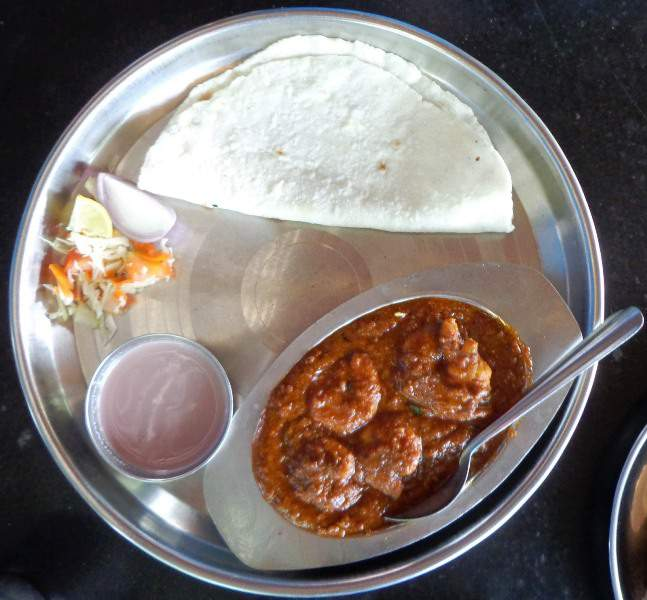 murud kokani food rice roti prawns