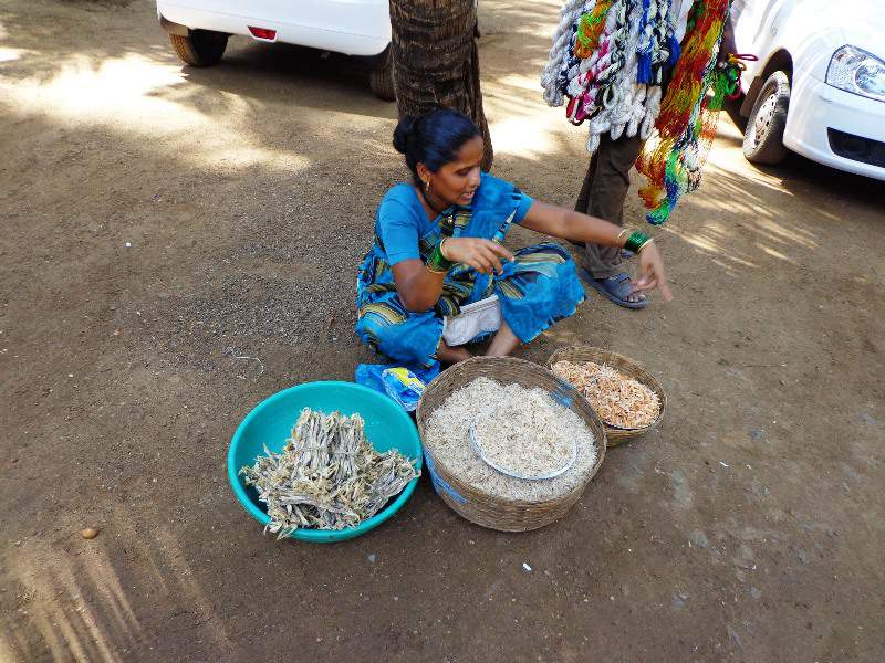 murud women selling dried fish