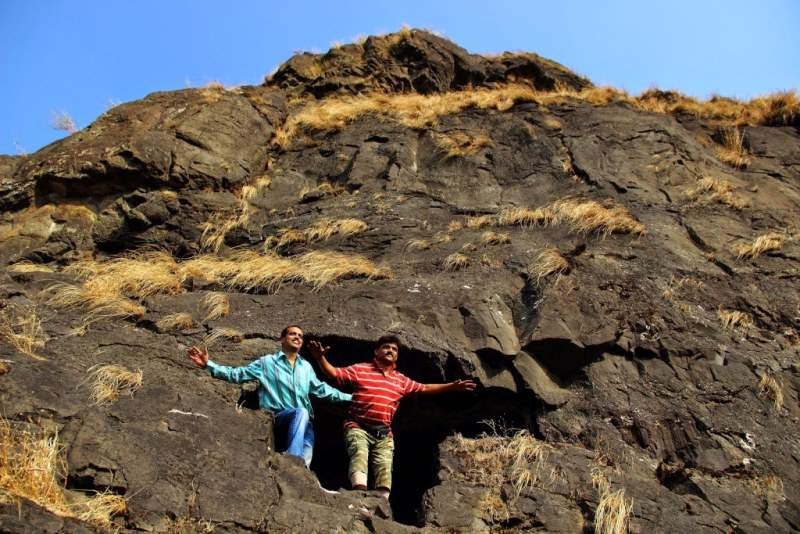 gorakhgad fort caves