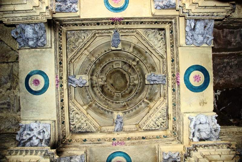 Amruteshwar Temple, interior carvings of temple