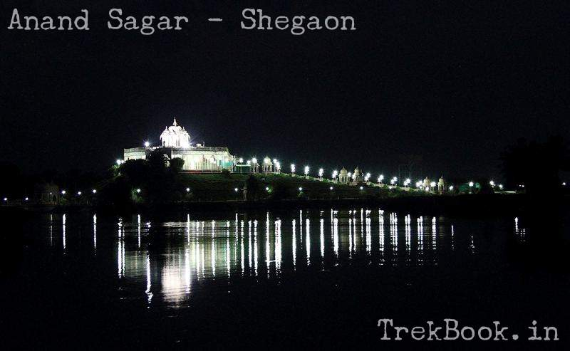 night views of anand sagar