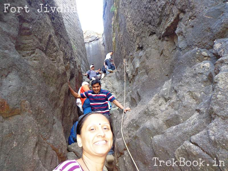 difficult rock patch on descend to naneghat side