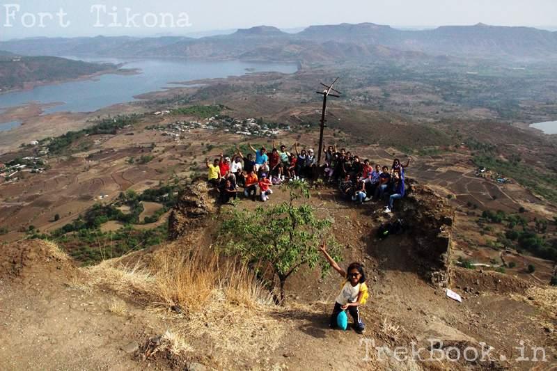 fona chinchwad group photo at fort tikona top